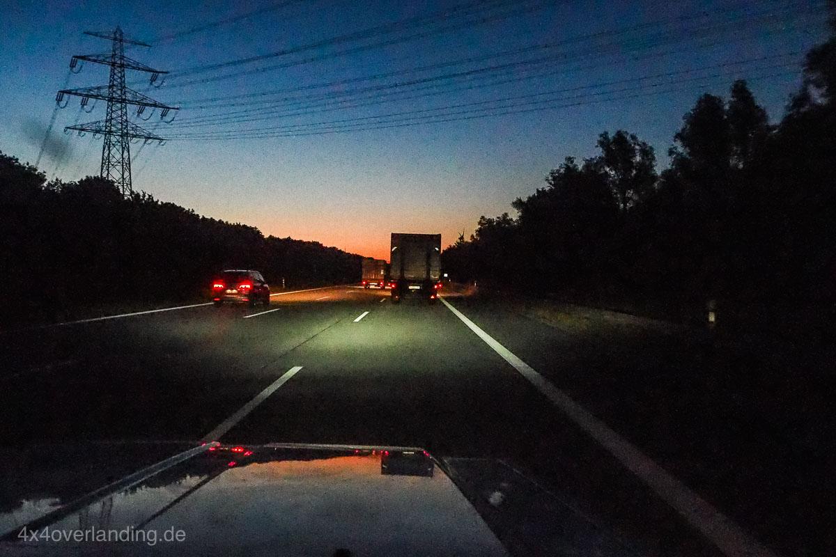 truck_light_LED_Headlamp_frontscheinwerfer_H4_7_rund-7010074
